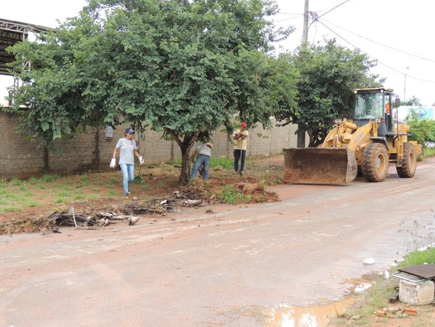 16.03.2016_Mutirão de Limpeza retirou mais de 720 cargas de entulho nos setores do centro (3)