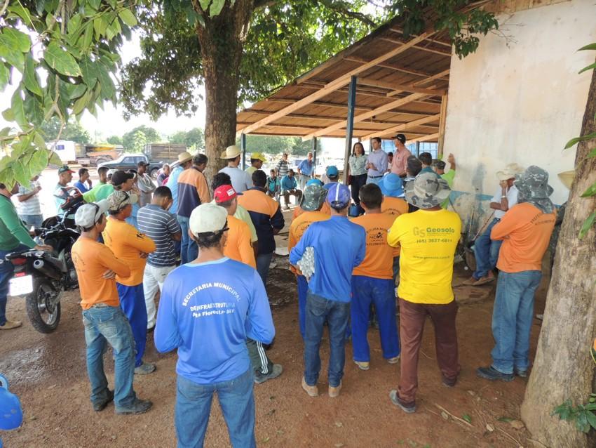 Comitiva do Bem pede a colaboração dos funcionários da SINFRA (1)