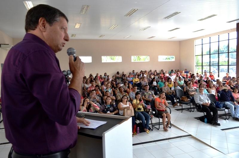 Durante dois dias, professores paranaitenses analisam e projetam futuro da educação3