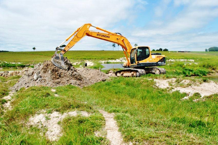 27-04-2016- Projeto Olhos D' Água continua com escavação de tanques de piscicultura em Alta Floresta - Cópia