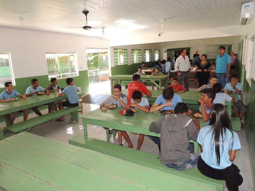 20.06.2016_Escola Nilo Procópio Peçanha recebe melhorias estruturais (2)