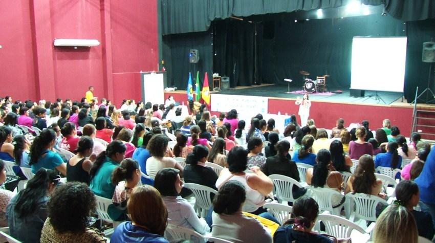 01.07.2016 A Secretaria de edução realizou 4°Encontro Municipal de educação infantil (2)