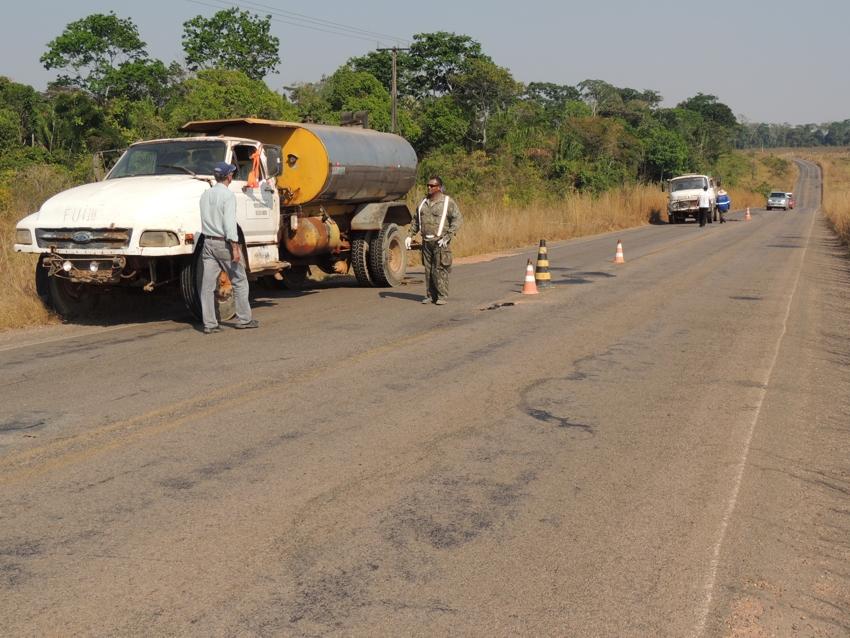 18.08.2016_Release_Prefeitura de Alta Floresta realiza tapa-buraco na MT-208 sentido Carlinda (2)
