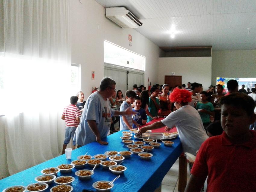 empresaria-realiza-festa-para-as-criancas-e-agradece-parcerias