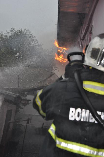incendio-casa-do-elson-quadros3