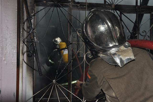 incendio-casa-do-elson-quadros4