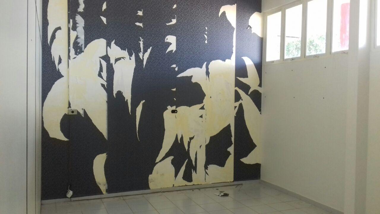parede esfaqueada