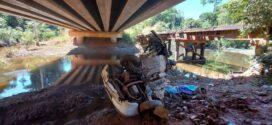 Mãe morre após carro cair de ponte e filho de 5 anos sobrevive e passa noite ao lado do corpo até ser resgatado em MT
