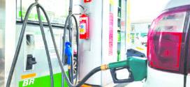 Petrobras reduz preços da gasolina em mais de 2%; diesel será mantido