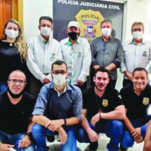 Autoridades inauguram nova sala na sede da Polícia Civil de Paranaíta