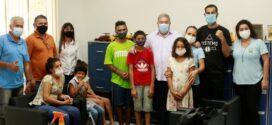 Câmara recebe visita de crianças e adolescentes atendidos pelo CRAS Conviver
